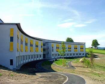 Bezirksalten- und Pflegeheim SENIORium Bad Kreuzen