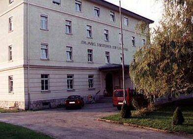 Bezirksseniorenheim Sarsteinerstiftung