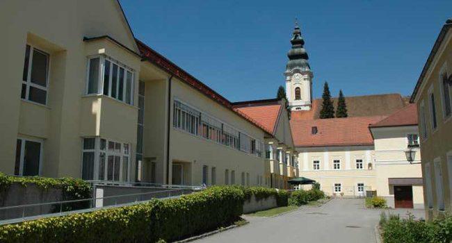 Seniorenwohnhaus St. Bernhard